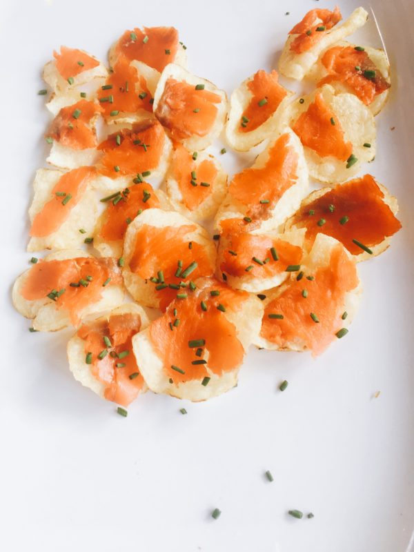 smoked salmon appetizer, organic potato chips, dill, simple appetizer